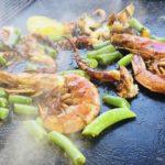 Гриль меню морских деликатесов можно посмотреть в ресторане