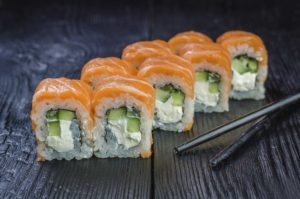 доставка суши киев