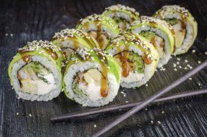Ролл зеленыйй дракон, доставка суши троещина, Осьминог, доставка суши, киев