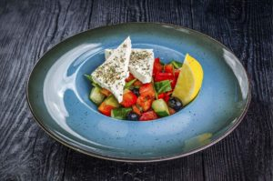 Греческий салат, доставка суши осьминог