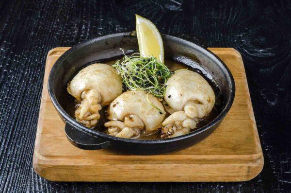 Каракатица гриль, осьминог морепродукты, доставка морепродуктов киев, премиум морепродукты, ,Осьминог суши и деликатесы, киев