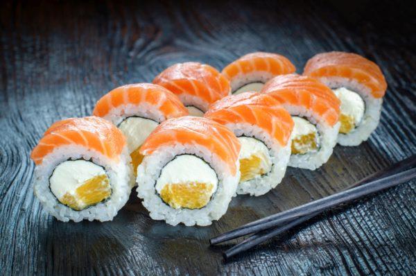 Ролл с лососем, филадельфия оранж, доставка осьминог, суши осьминог, Троещина, Киев