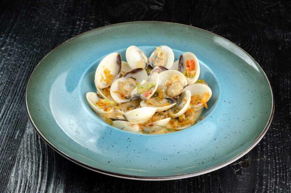 Вонголе, морские мулюски вонголе, осьминог суши, киев